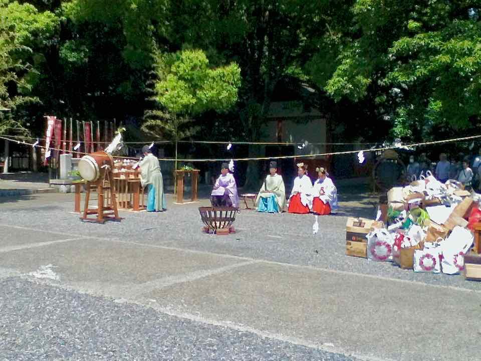 金神社・写真供養1